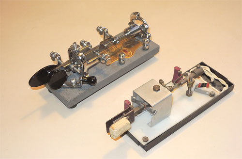 "Vibroplex ""bug"" semi-automatic telegraph key and its homemade clone"